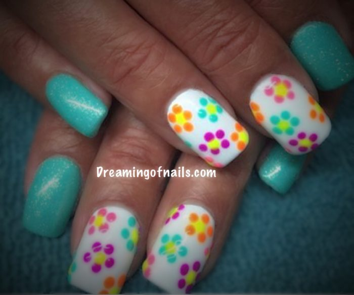 Floral nails dreaming of nails aqua and white nails with flowers mightylinksfo