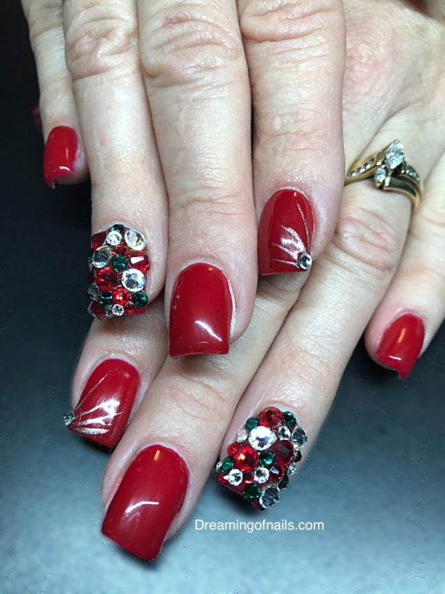 20 Festive And Fun Nail Art Ideas For Christmas Dreaming