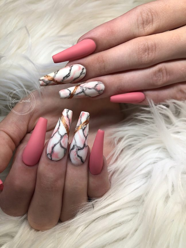 Coral nails with marble
