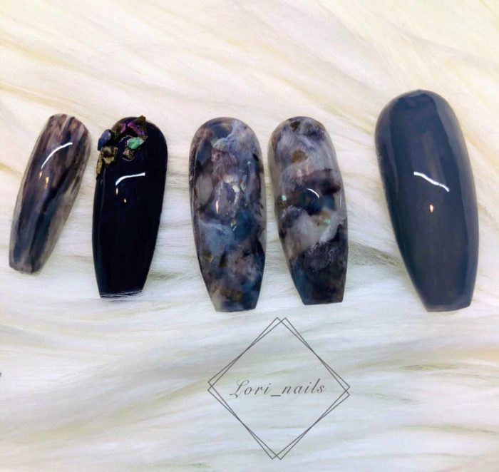 Black and gray marble nails
