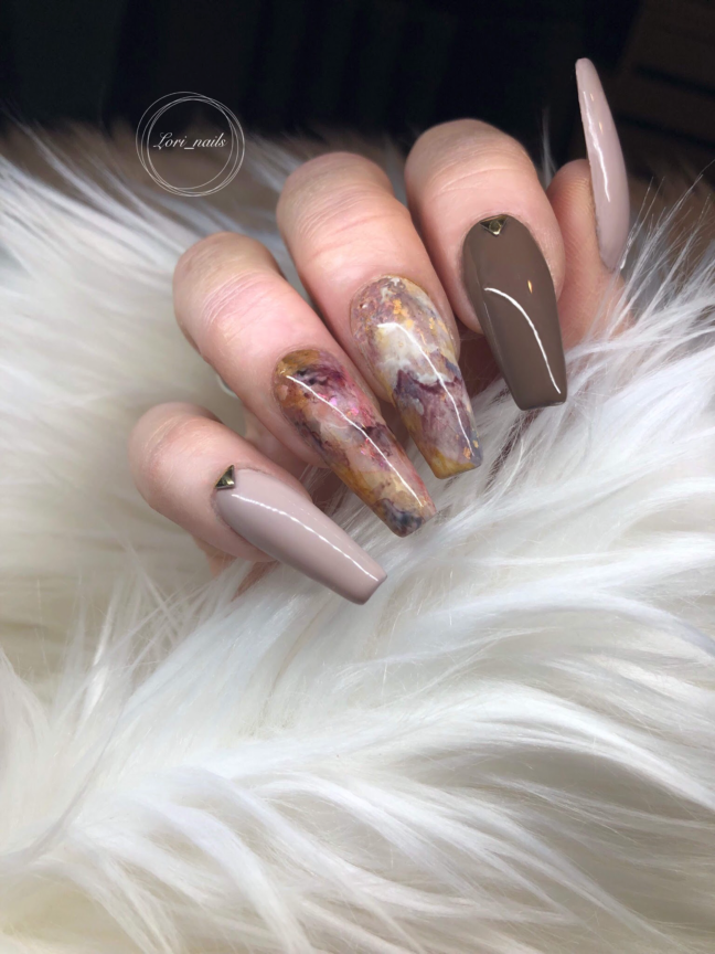 Marble nails with brown and taupe