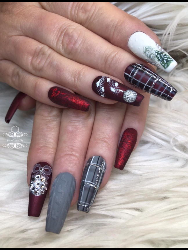 Red and gray Christmas plaid nails