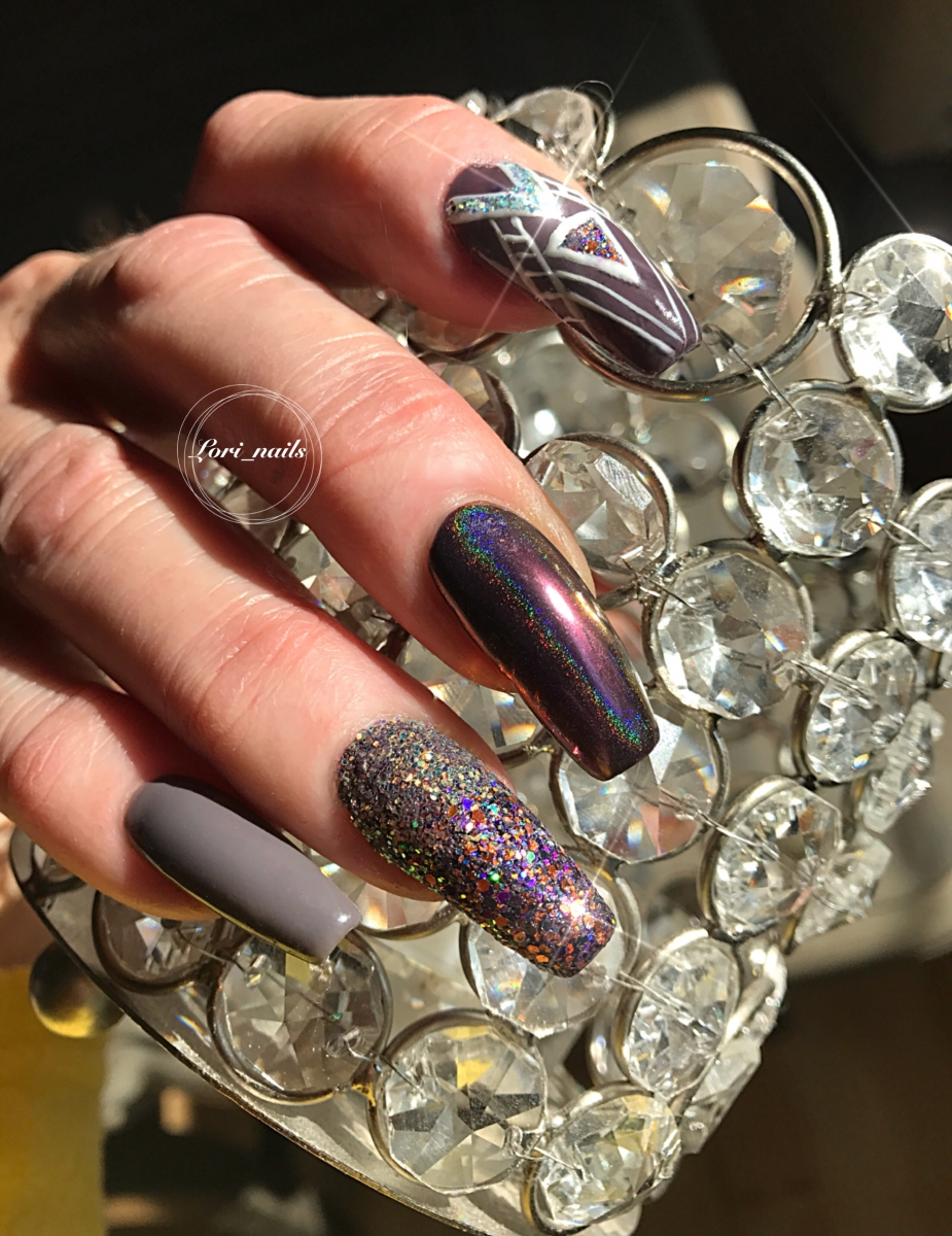 fall-nail-art-with-glitter-and-chrome